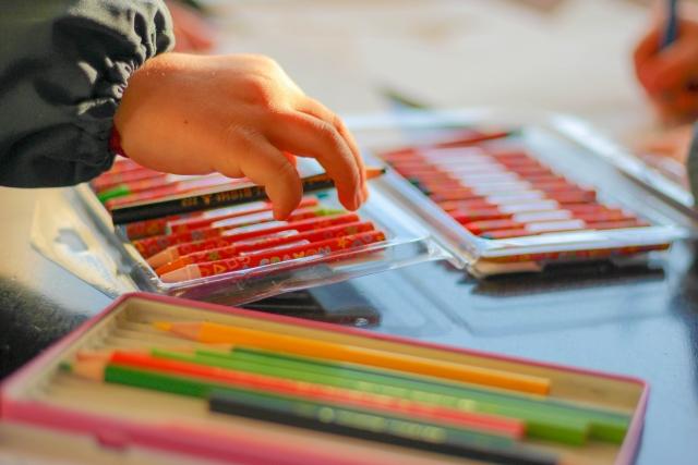 音楽や絵などの芸術活動
